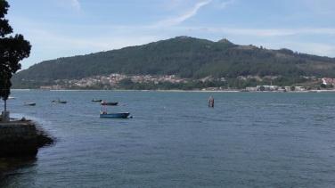 Ferry from Camiña