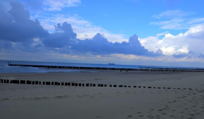 wolken-over-strand